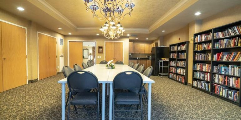 304-2085-Amherst-Heights-009