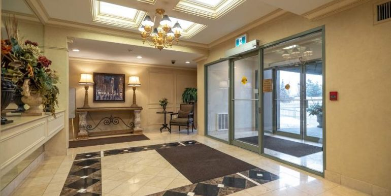 304-2085-Amherst-Heights-011