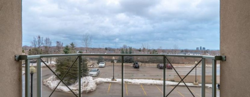 304-2085-Amherst-Heights-018