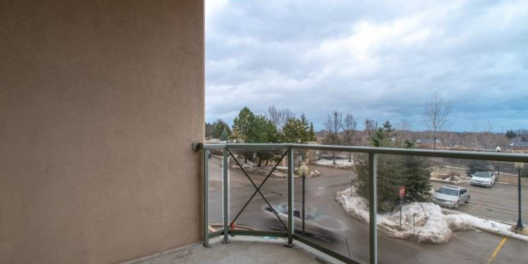 304-2085-Amherst-Heights-019
