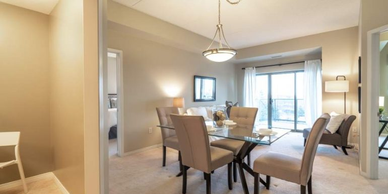 304-2085-Amherst-Heights-025