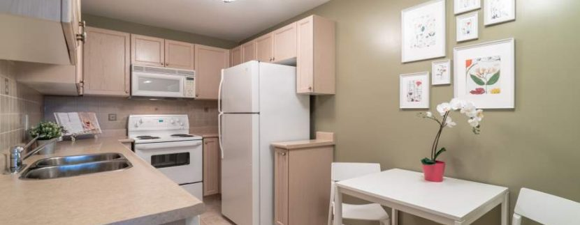 304-2085-Amherst-Heights-026