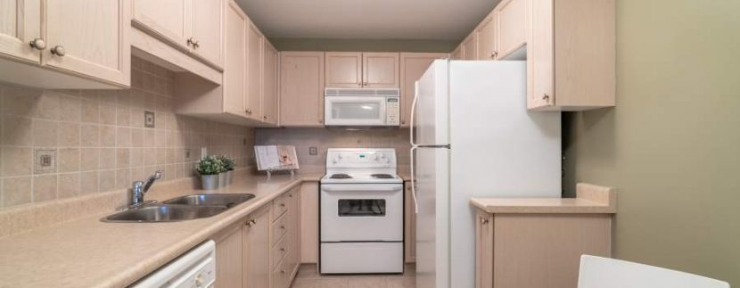 304-2085-Amherst-Heights-027