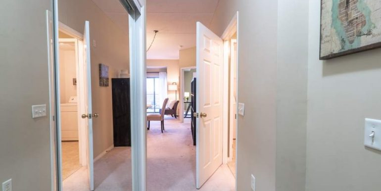 304-2085-Amherst-Heights-032