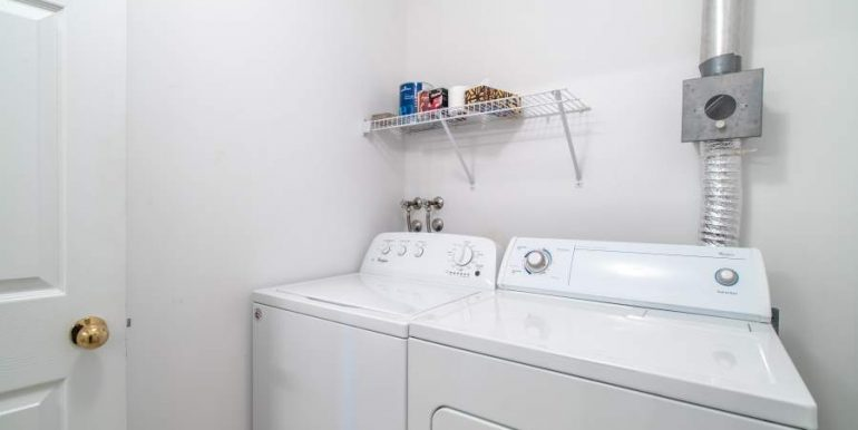 304-2085-Amherst-Heights-036