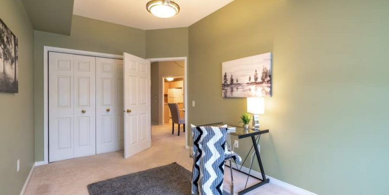 304-2085-Amherst-Heights-040