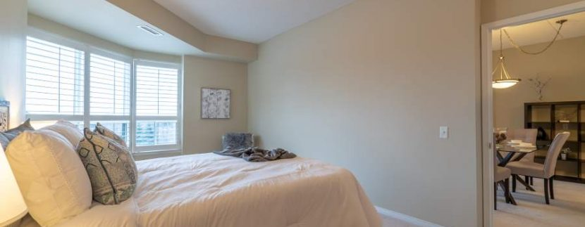 304-2085-Amherst-Heights-045