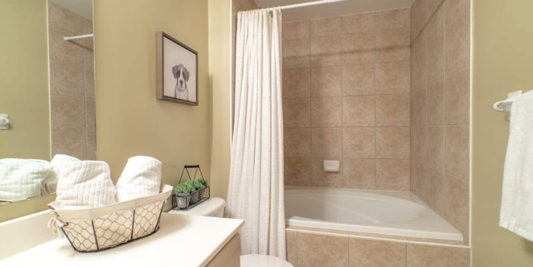 304-2085-Amherst-Heights-049